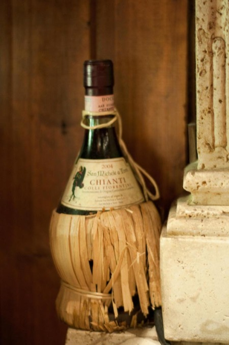 Piazza Italia wine bottle